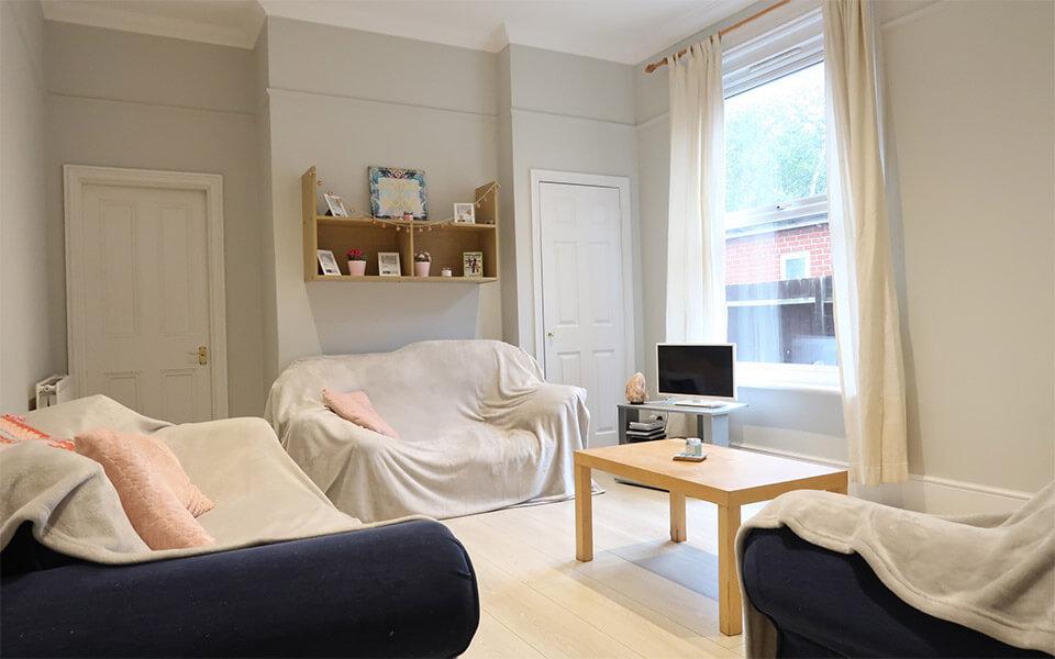 avenue-road-portswood-shared-living-room