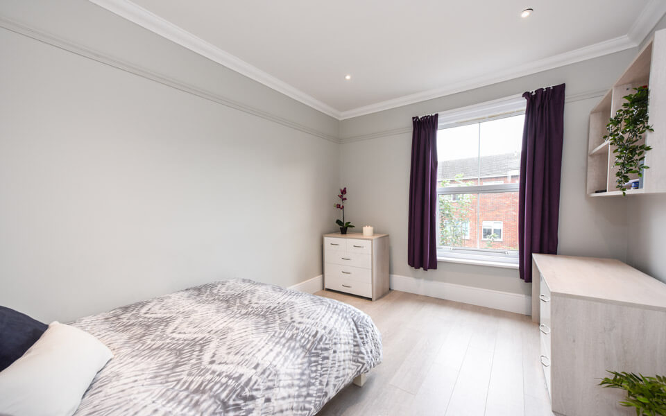 reburbished-double-bedroom-shaftesbury-avenue-southsea-portsmouth